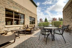 Hampton Inn and Suites Chicago-Aurora