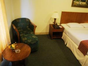 Imperial Hotel, Отели  Kendari - big - 8