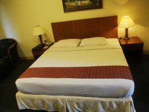 Imperial Hotel, Отели  Kendari - big - 2