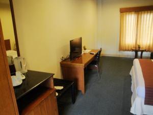 Imperial Hotel, Отели  Kendari - big - 11
