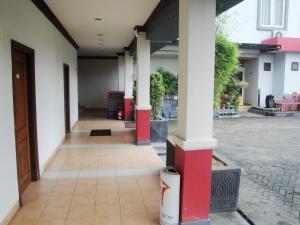 Imperial Hotel, Отели  Kendari - big - 21