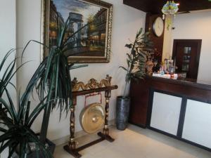 Imperial Hotel, Отели  Kendari - big - 23