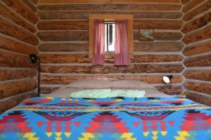 cabin 2 # queen bed