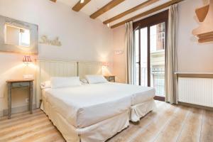 AinB Gothic-Jaume I Apartments, Апартаменты  Барселона - big - 29