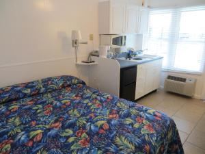 Queen Room with Bay View
