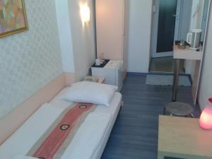 Scotty's Boutique Hotel, Hotel  Sofia - big - 3
