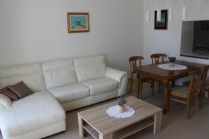 Villa Veronika Apartments, Apartmány  Crikvenica - big - 13