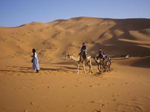 Marhaba Camp, Camel & Sandboarding, Luxury tents  Merzouga - big - 66