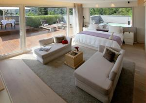 Attic Suite (1 or 2 people)