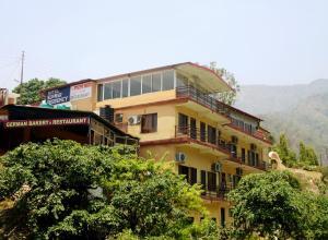 Kunwar Residency