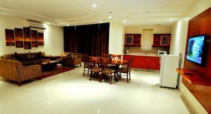 Hayat Home Hotel Al Wadi, Aparthotels  Riad - big - 16