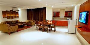 Hayat Home Hotel Al Wadi, Апарт-отели  Эр-Рияд - big - 18