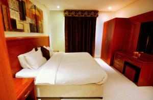 Hayat Home Hotel Al Wadi, Апарт-отели  Эр-Рияд - big - 6