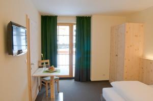 Der Waldhof, Hotely  Sankt Anton am Arlberg - big - 11