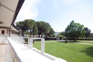 Residence Selenis, Apartments  Caorle - big - 27