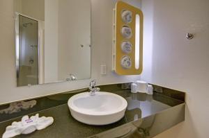 Motel 6 Fort Worth Northlake Speedway, Hotels  Roanoke - big - 32