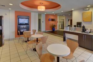 Motel 6 Fort Worth Northlake Speedway, Hotels  Roanoke - big - 13