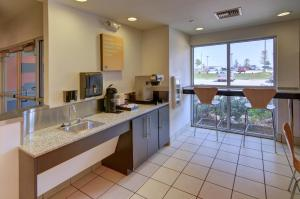 Motel 6 Fort Worth Northlake Speedway, Hotels  Roanoke - big - 21