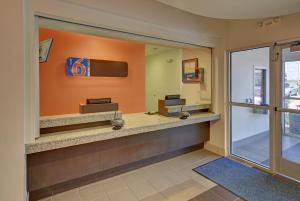 Motel 6 Fort Worth Northlake Speedway, Hotels  Roanoke - big - 17