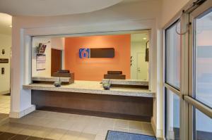 Motel 6 Fort Worth Northlake Speedway, Hotels  Roanoke - big - 20