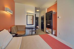 Motel 6 Fort Worth Northlake Speedway, Hotels  Roanoke - big - 3