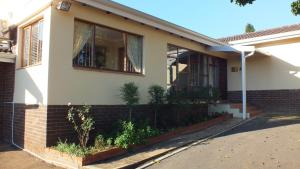 Home From Home B&B, Bed and breakfasts  Pietermaritzburg - big - 40