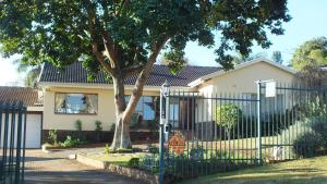 Home From Home B&B, Bed and breakfasts  Pietermaritzburg - big - 35