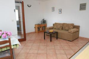 Apartments Sanader, Apartmanok  Trogir - big - 4