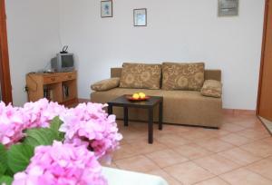 Apartments Sanader, Apartmanok  Trogir - big - 5