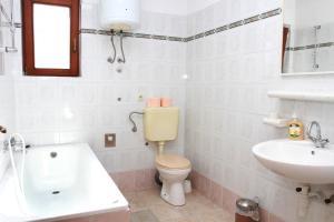 Apartments Sanader, Apartmanok  Trogir - big - 12