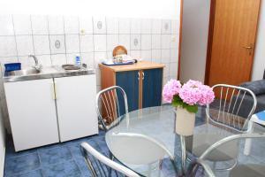 Apartments Sanader, Apartmanok  Trogir - big - 13