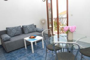 Apartments Sanader, Apartmanok  Trogir - big - 17