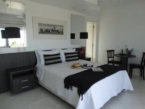 Deluxe Room with Front Sea View