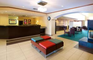 Residence Inn Phoenix Airport, Hotely  Phoenix - big - 31