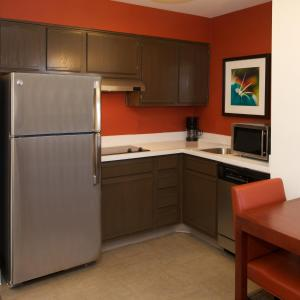 Residence Inn Phoenix Airport, Hotely  Phoenix - big - 9
