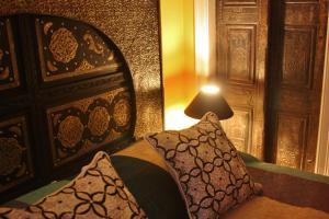 Silk Queen Room