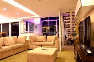 Luxurious Penthouse Unit in Cebu, Apartmány  Cebu City - big - 6