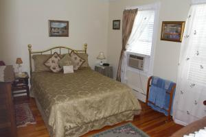 Historic Hill Inn, Bed and Breakfasts  Newport - big - 14