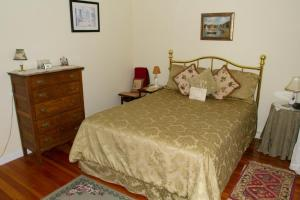 Historic Hill Inn, Bed and Breakfasts  Newport - big - 24