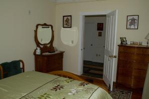 Historic Hill Inn, Bed and Breakfasts  Newport - big - 11
