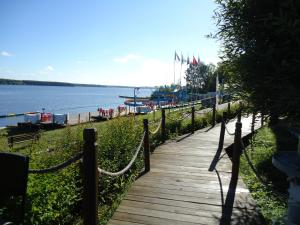 Hotel Yacht Club Noviy Bereg, Üdülőtelepek  Boltyino - big - 49