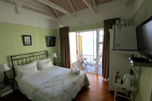 1 Point Village Guesthouse & Holiday Cottages, Apartmanok  Mossel Bay - big - 50