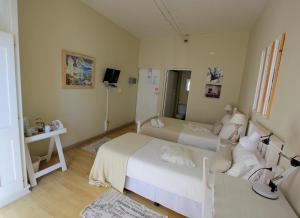 1 Point Village Guesthouse & Holiday Cottages, Apartmanok  Mossel Bay - big - 27