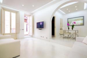 White Style Gambero Apartment