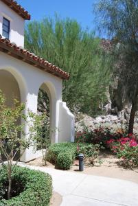 Two Story Three-Bedroom Townhouse Unit 365 by Reynen Luxury Homes, Holiday homes  La Quinta - big - 46