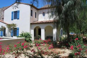 Two Story Three-Bedroom Townhouse Unit 365 by Reynen Luxury Homes, Holiday homes  La Quinta - big - 1