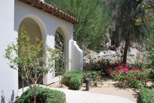Two Story Three-Bedroom Townhouse Unit 365 by Reynen Luxury Homes, Holiday homes  La Quinta - big - 48