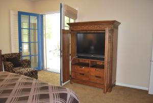Two Story Three-Bedroom Townhouse Unit 365 by Reynen Luxury Homes, Holiday homes  La Quinta - big - 28