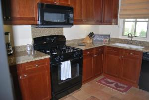 Three-Bedroom Ground Floor Villa Unit 394 by Reynen Luxury Homes, Holiday homes  La Quinta - big - 13
