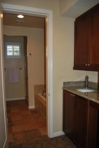 Three-Bedroom Ground Floor Villa Unit 394 by Reynen Luxury Homes, Holiday homes  La Quinta - big - 26